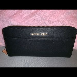 Michael kors black leather wallet